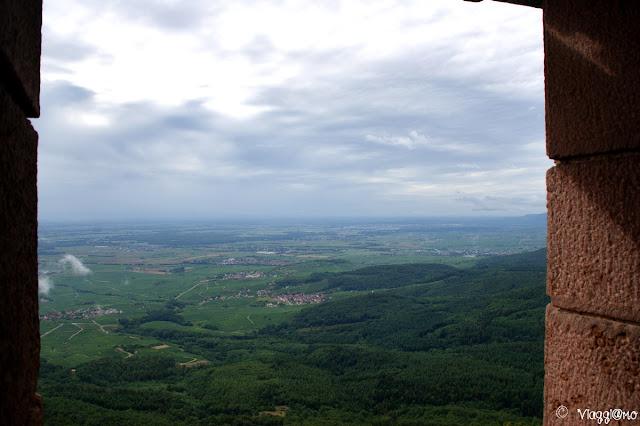 La splendida vista sui Vosgi dal Bastione del castello di Haut Koenigsbourg