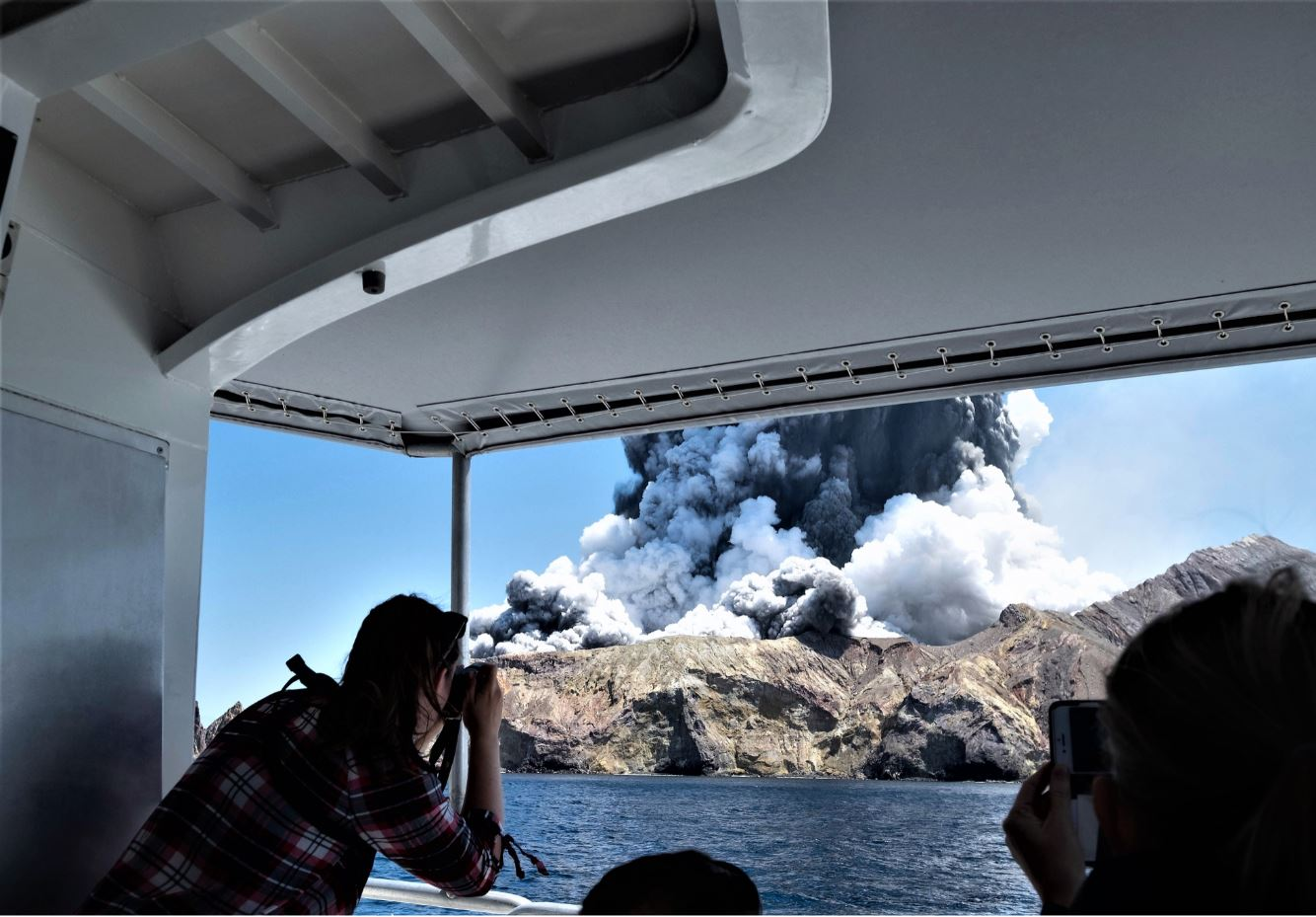 New Zealand: Volcano suddenly erupted 2019.