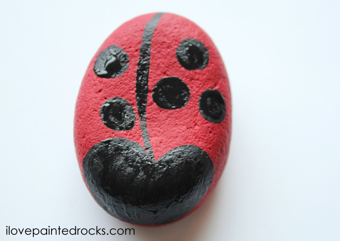 how to paint a ladybug rock