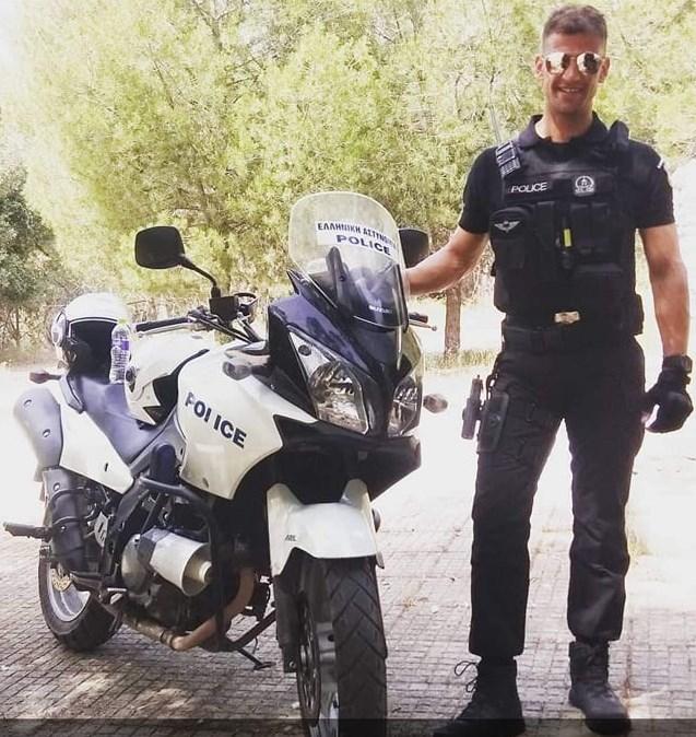 Ο αστυνομικός Χρήστος Πετμεζάς που έδωσε τις πρώτες βοήθειες στον άνδρα