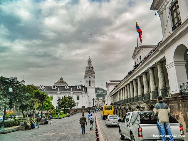 Catedral de Quito e palácio presidencial do Equador