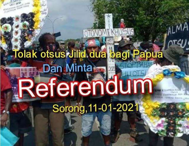 Ratusan massa Front Rakyat Papua, mendatangi Kantor DPRD Kota Sorong, Senin (11/1/2021) untuk menolak Otsus