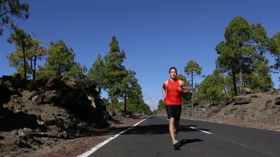 Perhatikan Tips Ini Agar Kuat Melakukan Lari Jarak Jauh!