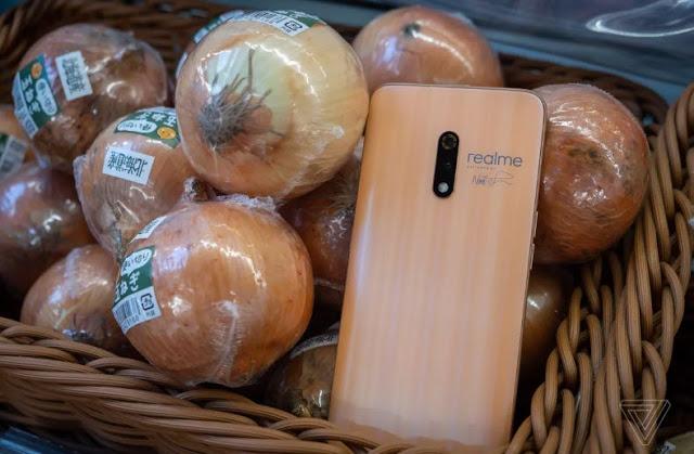 شركة Realme X الصينية تطلق هاتفين مستوحى من البصل والثوم ( ليس مزحة)