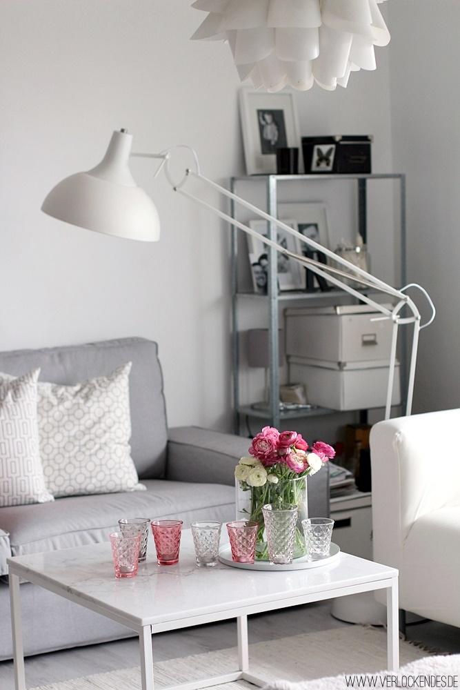Verlockendes wohnzimmer in fr hlingsfarben for Marmortisch wohnzimmer