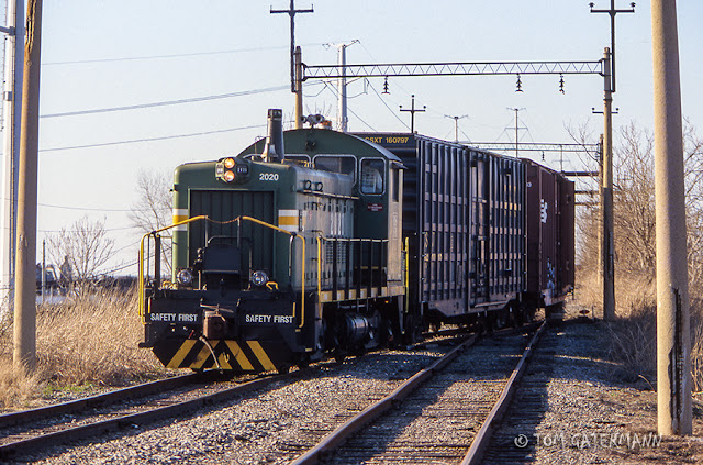 RSM 2020 backing up the McKinley Bridge approach at Branch Street