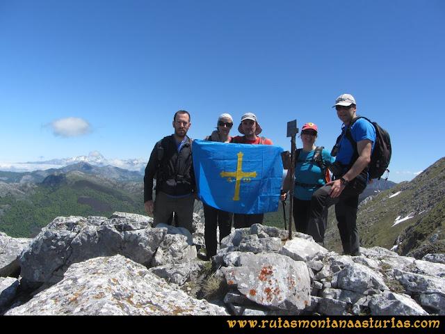 Ruta Les Rapaines, Lago Ubales, Cascayón: Cima de la Peña Fornos
