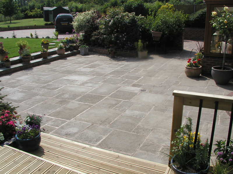 Traditional and Contemporary Patio Designs - Garden Edging ... on Modern Garden Patio Ideas id=17670