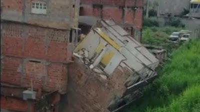 Prédio de cinco andares desaba em Narandiba; veja vídeo