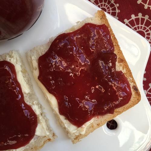 Erdbeer-Rhabarber-Himbeer-Marmelade