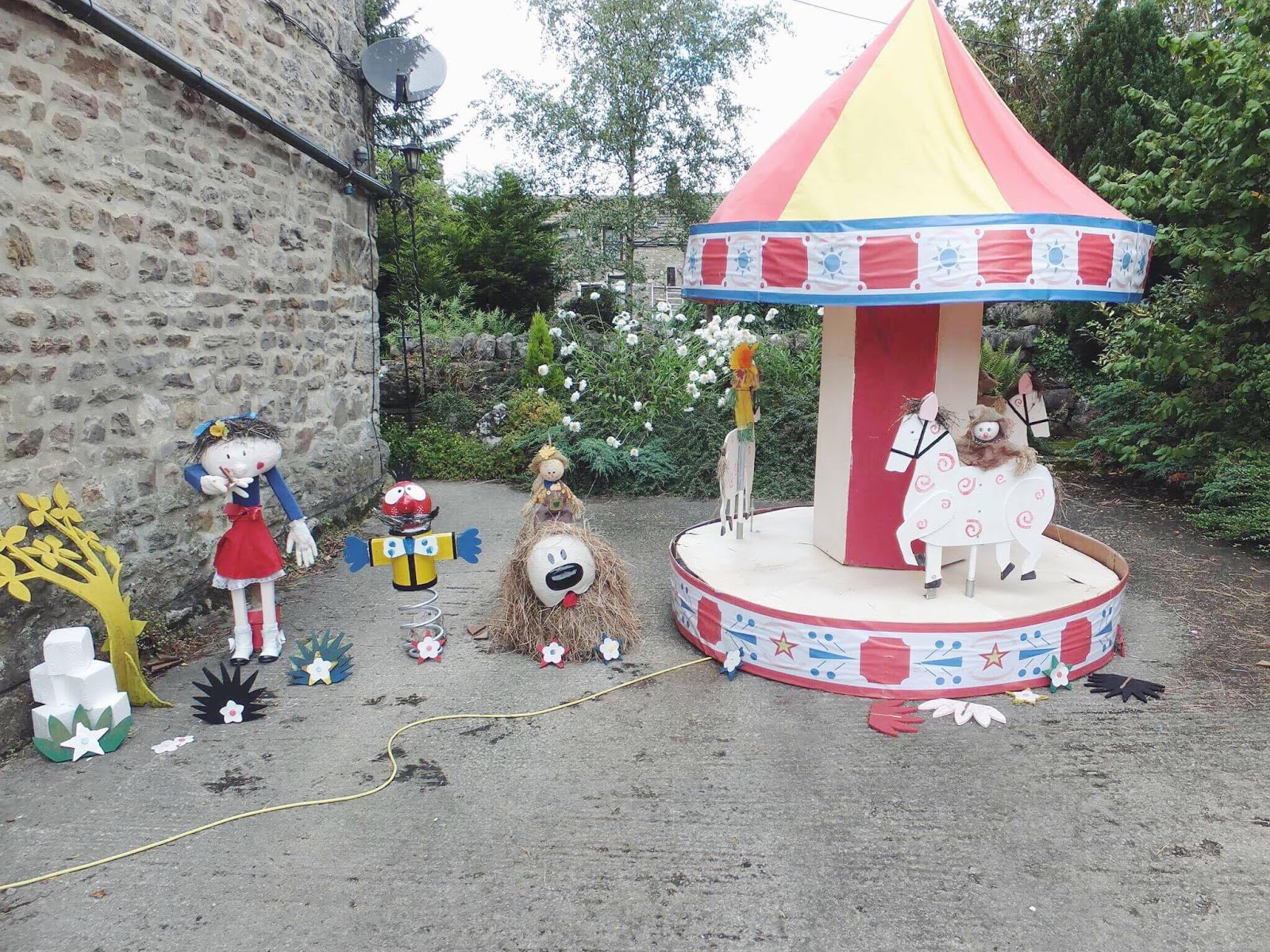 Kettlewell-The-Magic-Roundabout-Scarecrows