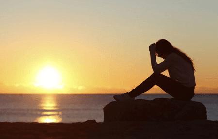 Puisi tentang cinta yang sedih