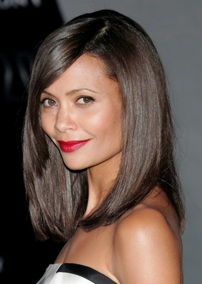 MEDIUM SHORT HAIRCUT: Long Bob Hairstyles