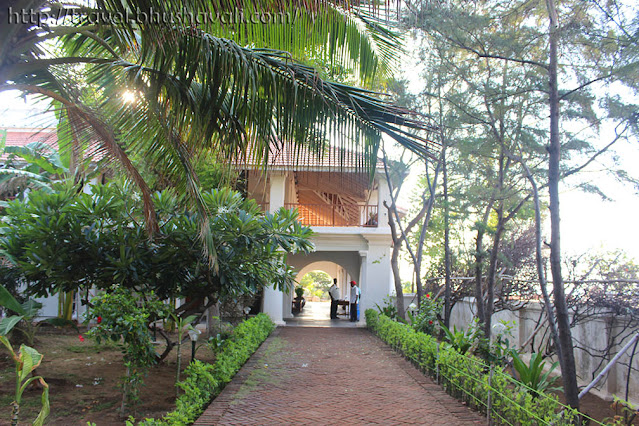 Neemrana Bungalow on the beach Tranquebar Tharangambadi Hotels