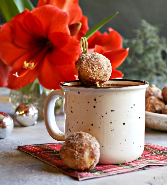 Recipe for baked mini doughnuts, flavored with ginger and cinnamon.