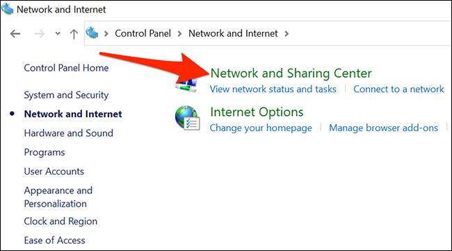 """حدد """"مركز الشبكة والمشاركة"""" في لوحة التحكم."""