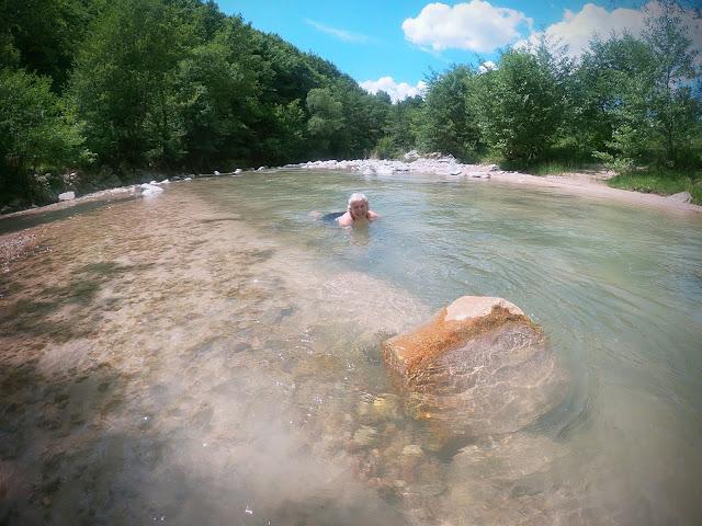 Wild swimming, Crisul Pietros