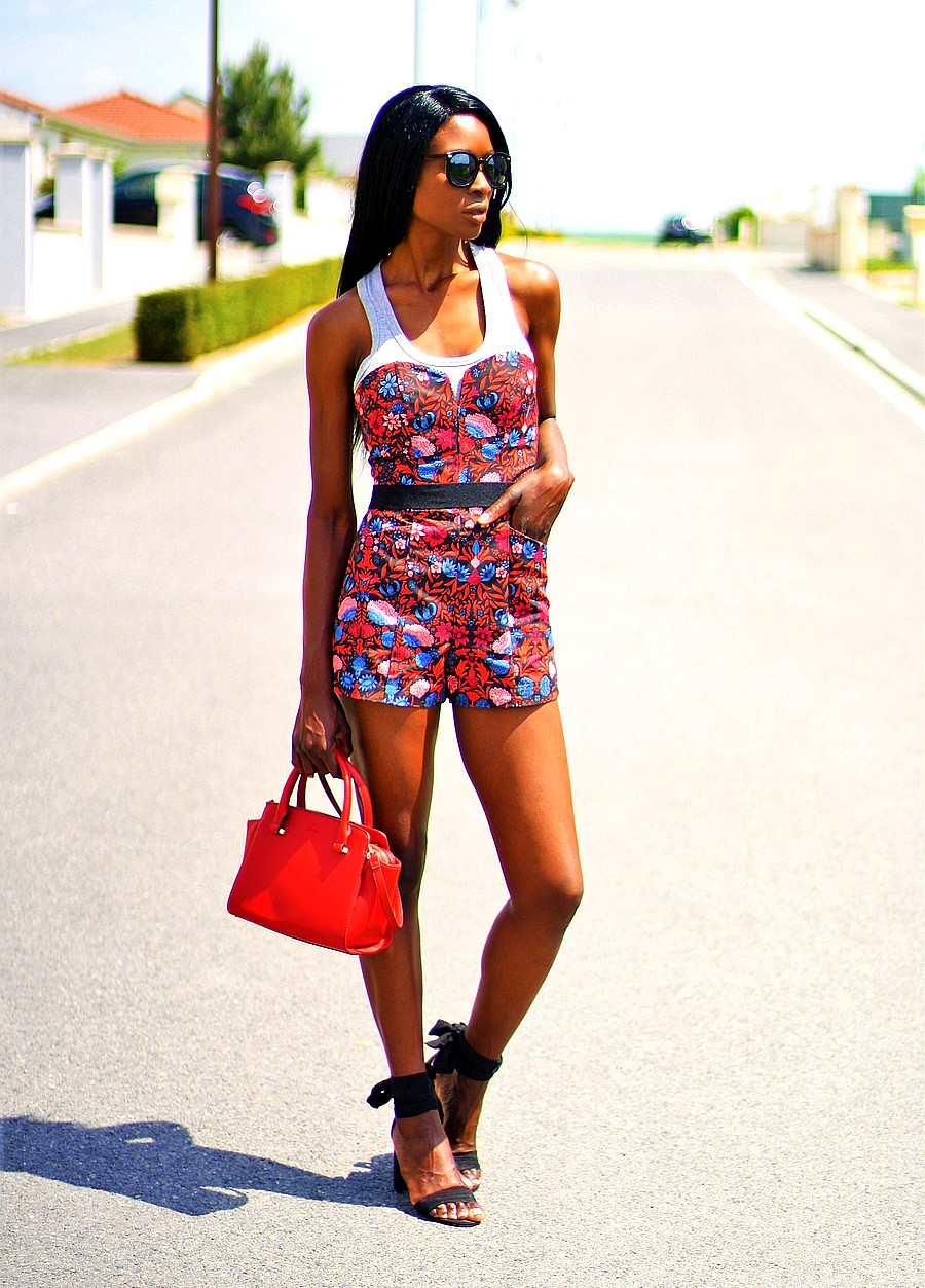 style-blogger-rocking-a-tropical-print-playsuit