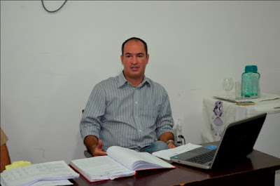 Resultado de imagem para dr. thiago e os professores de carnaubais