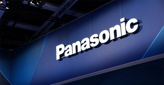 Логотип Panasonic на стене