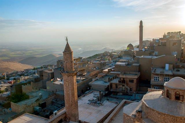 Sonbahar aylarında romantik tatil ya da balayı turu için Türkiye'de gidilecek en güzel yerlerden biri Mardin.