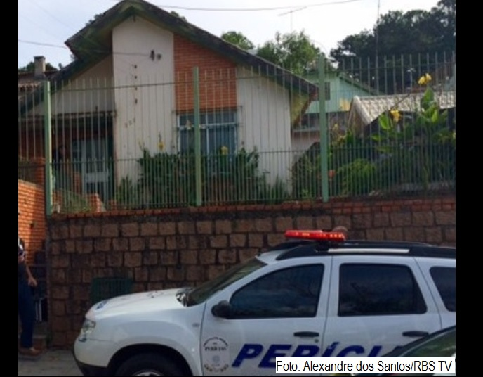 Três adultos e duas crianças da mesma família são achados mortos em casa em Porto Alegre.
