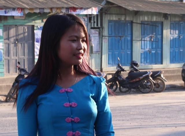 အိခ်ယ္ရီေအာင္ (Myanmar Now) ● ႏိုင္ငံေရးမွာ အမ်ဳိးသမီးေတြပါဝင္ဖို႔ ဆြဲေခၚပါ (အင္တာဗ်ဴး)