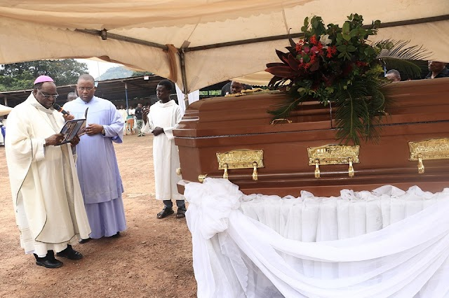 Heartbreaking Photos From The Funeral Of Rev. Fr. Offu Who Was Killed By Suspected Herdsmen