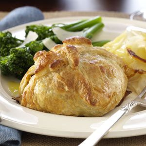 Classic Beef Wellingtons #recipes #dinnerrecipes #dinnerideas #newdinnerrecipes #newdinnerideas #newdinnerrecipeideas #food #foodporn #healthy #yummy #instafood #foodie #delicious #dinner #breakfast #dessert #lunch #vegan #cake #eatclean #homemade #diet #healthyfood #cleaneating #foodstagram
