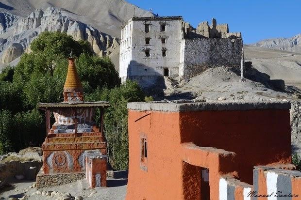 Tsarang, dal gompa vista sulla fortezza