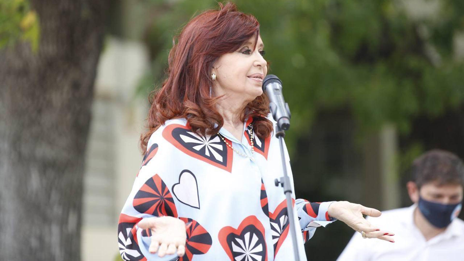 La justicia ordenó devolver a Cristina Kirchner la administración de Los Sauces, Hotesur y otras sociedades
