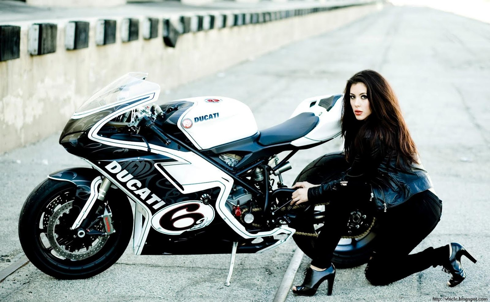 woman with heavy bikes wallpapers - photo #29