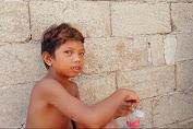 Bocah 9 Tahun Ini Sudah Bisa Operasikan Eksavator