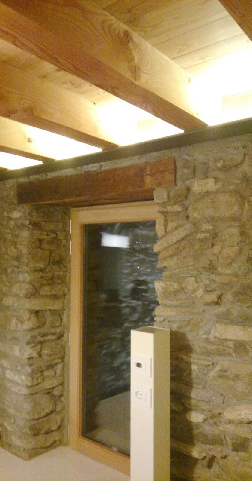 Illuminazione Per Travi A Vista: Consigli per illuminare un soffitto con travi di legno a vista.