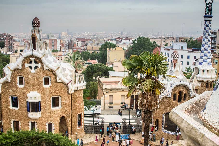 Solo Travel Guide to Barcelona, How to Solo Travel in Barcelona