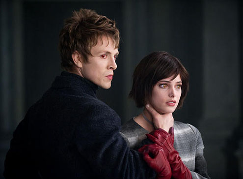 Charlie Bewley and Ashley Greene in The Twilight Saga: New Moon 2009 movieloversreviews.blogspot.com