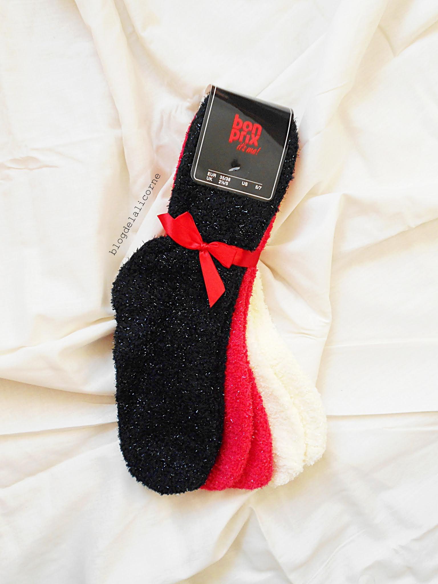 Mäkké ponožky so saténovou mašličkou Bonprix