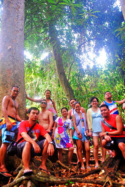 Pinoy Travel Bloggers in Mantigue Island