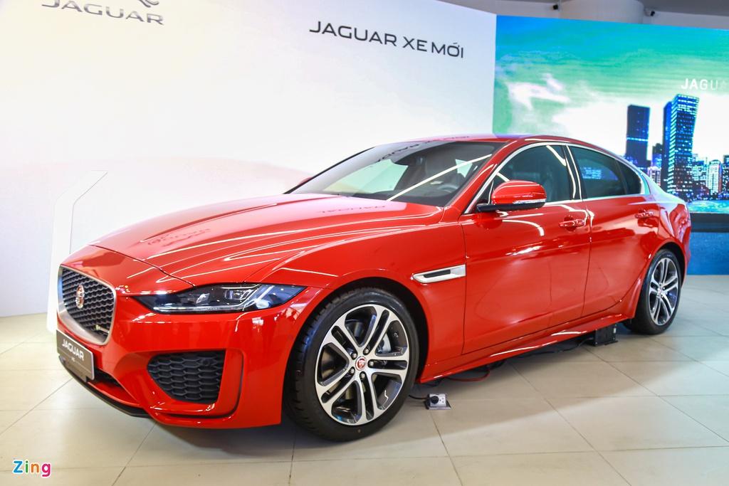 Jaguar XE ra mắt tại VN, đối thủ Mercedes C-Class và BMW 3-Series