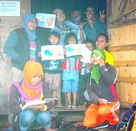 bergabung dengan komunitas di Semarang