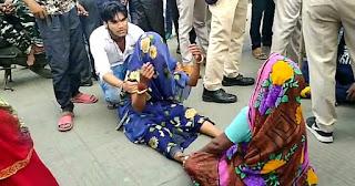 प्रसूति के दौरान जिला शासकीय चरक हॉस्पिटल में हुई महिला की मौत परिजनों ने लगाया लापरवाही का आरोप