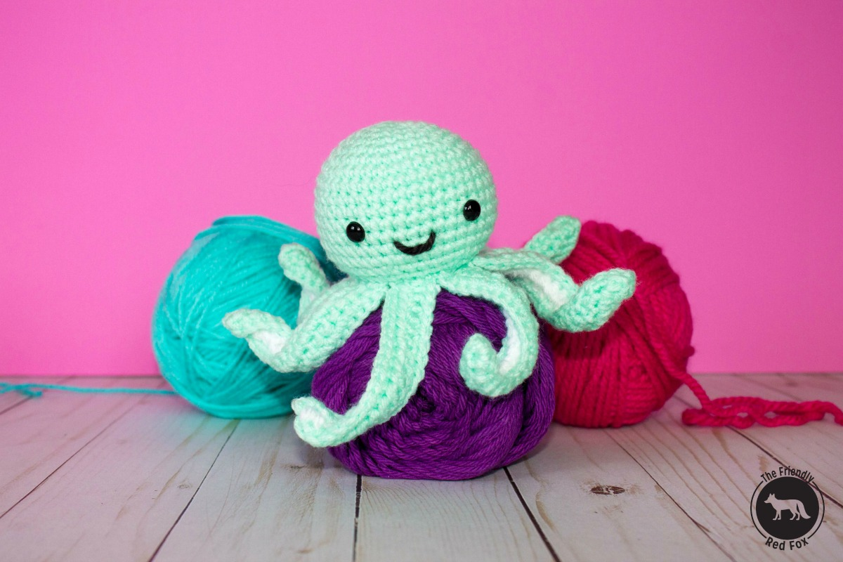 Easy Amigurumi Octopus : Free crochet pattern for mini octopus thefriendlyredfox