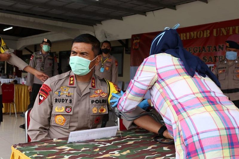 Kapolda Jabar Pimpin Langsung Giat Donor Darah Di Mako Satbrimob Polda Jabar