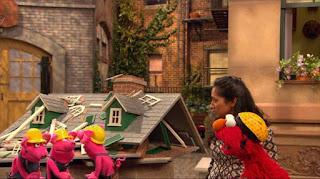 Three Little Pigs, Elmo, Leela, Sesame Street Episode 4319 Best House of the Year season 43