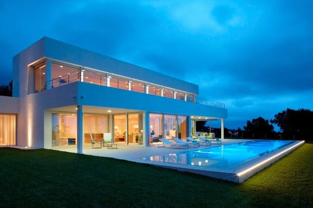 casa con diseño exterior minimalista