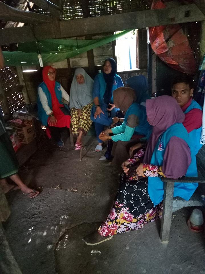 Lembaga Peduli Dhuafa BNA-Aceh Besar Kunjungi Nek. Rukaiyah yang tinggal di Gebuk Reyok. Blang Bittang Aceh Besar