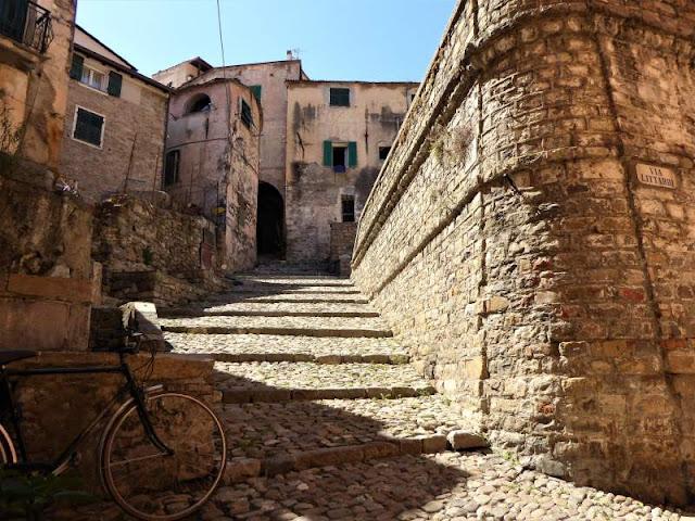 case torri centro storico taggia