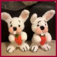 Conejitos a crochet con zanahoria
