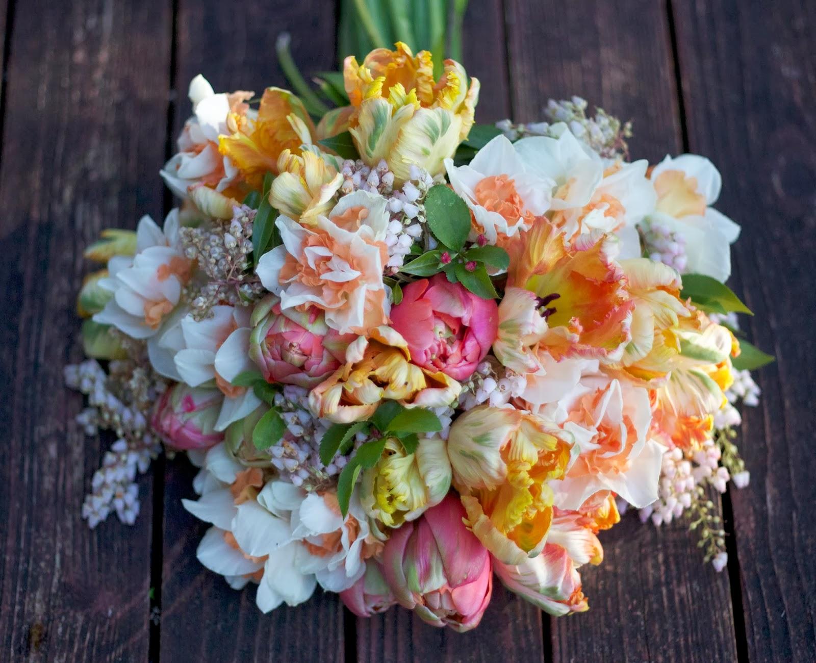 bella fiori designs flowers for weddings in washington seattle everett. Black Bedroom Furniture Sets. Home Design Ideas