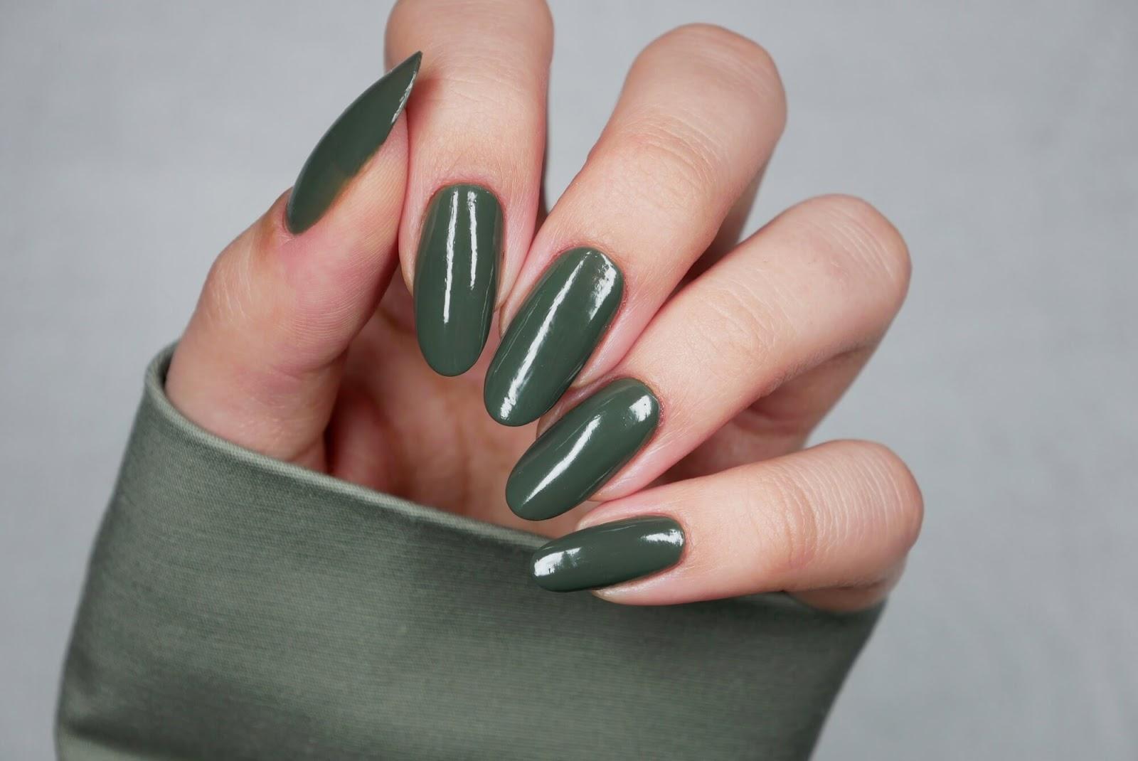 paznokcie - zgniła zieleń